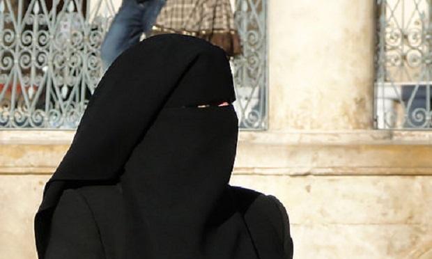 arabie saoudite les femmes peuvent pr sent conduire mais ne sont pas autoris es se garer. Black Bedroom Furniture Sets. Home Design Ideas